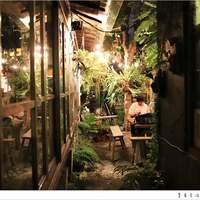 台中IG|Ino Olen:一中街美食* 城市里的一座秘密花园?这里卖的居然是关东煮,满满的绿色植物宛如走进热带森林里~
