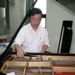 鋼琴調音師陳陸南